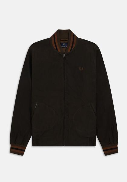 イングランド製のオイルドジャケット
