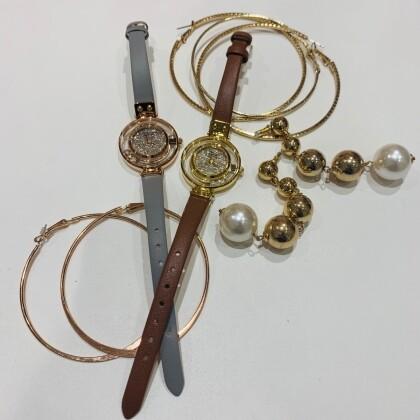 女性にオススメ!腕元でキラキラ光る時計【VICTORIA HYDE LONDON】